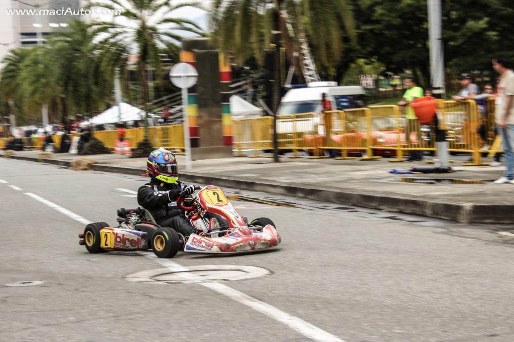 Juan Pablo Montoya, luciendo desde ya el número 2 que llevará en la IndyCar