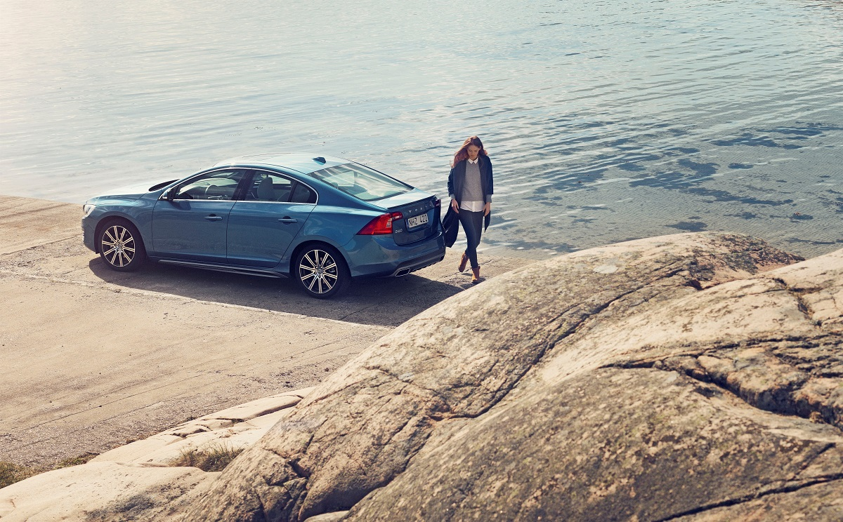 Volvo S60, exterior, side, rear