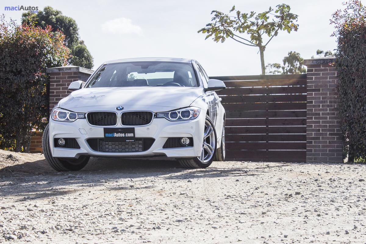 BMW 320i_-13
