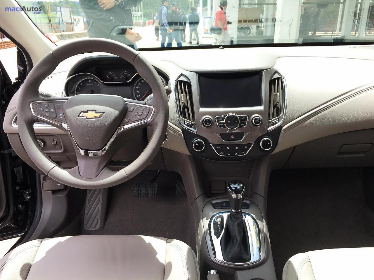 Chevrolet Cruze 2017-29